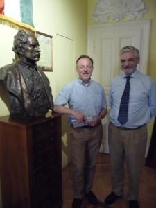 Der Reporter (li) und Baron Antal Lipthay de Kisfalud et Lubelle